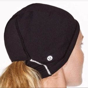 Lululemon Run It Out Toque BLACK O/S NWT